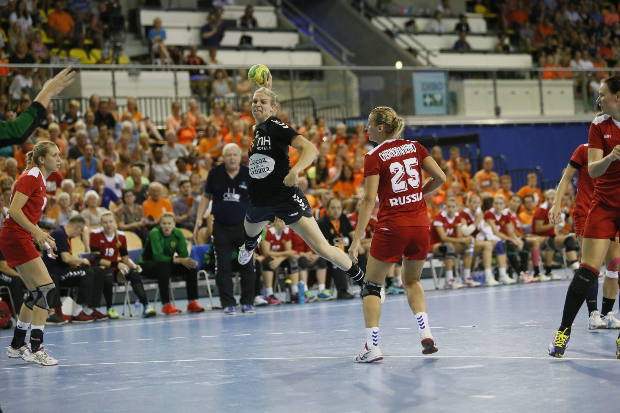 20-07-2016: Handbal: Dames 4 Landen Toernooi: Rusland-Nederland: Eindhoven    Foto: Edwin Verheul