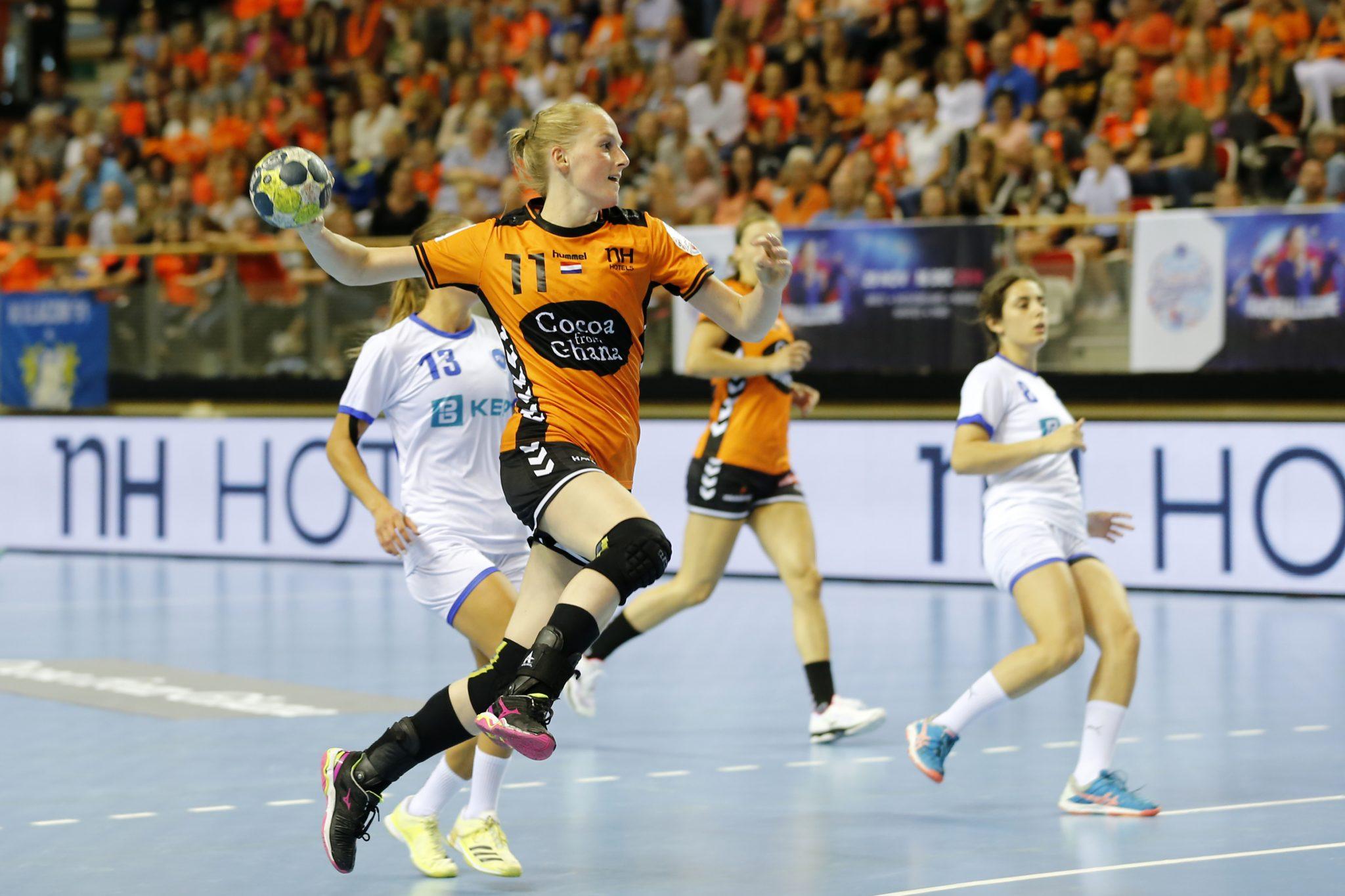 02-06-18: Handbal: EK Kwalificatie Dames: Nederland-Kosovo: Almere  Foto: Edwin Verheul