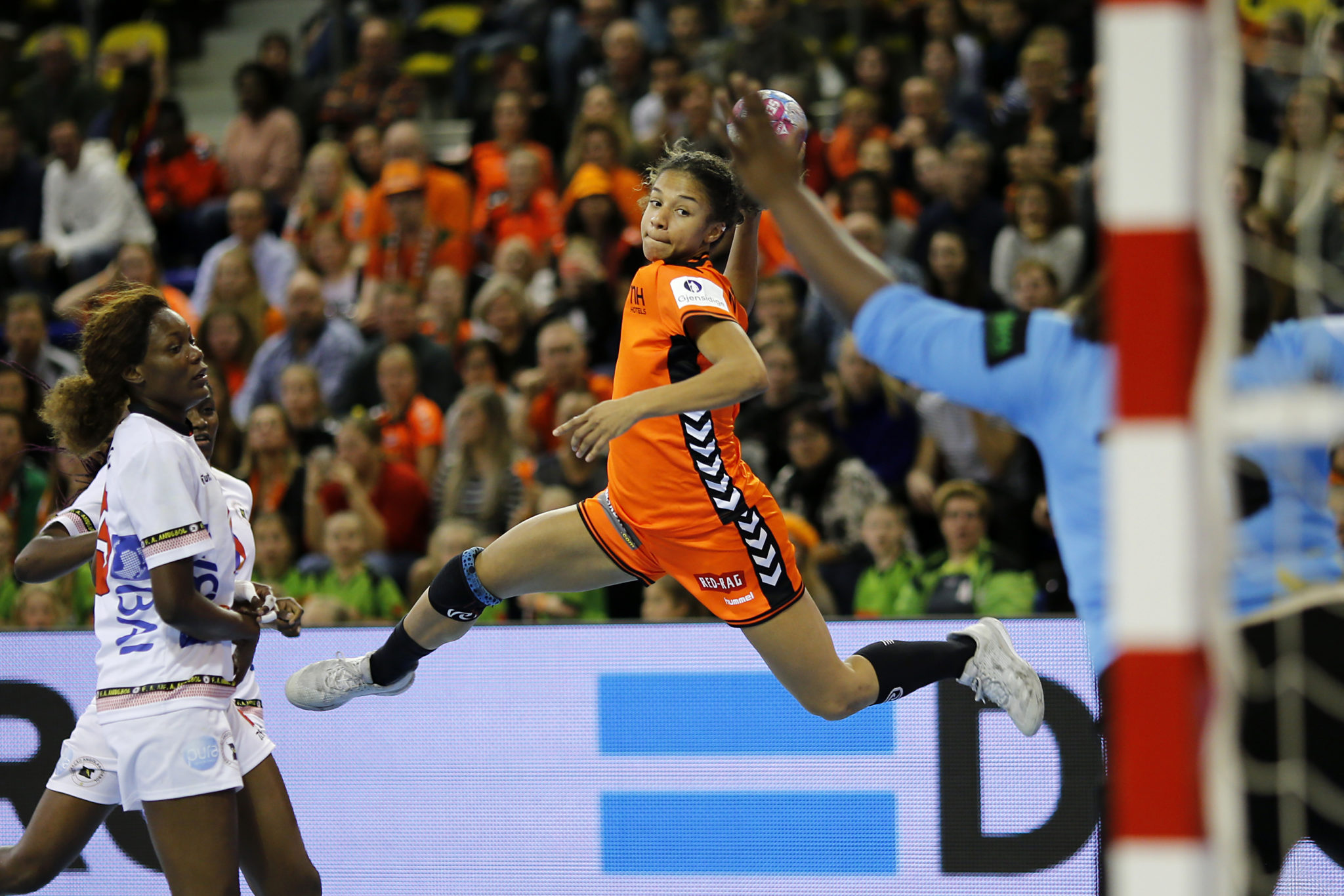 21 November 2018: Handbal: Nederland-Angola: Eindehoven   Foto: Edwin Verheul