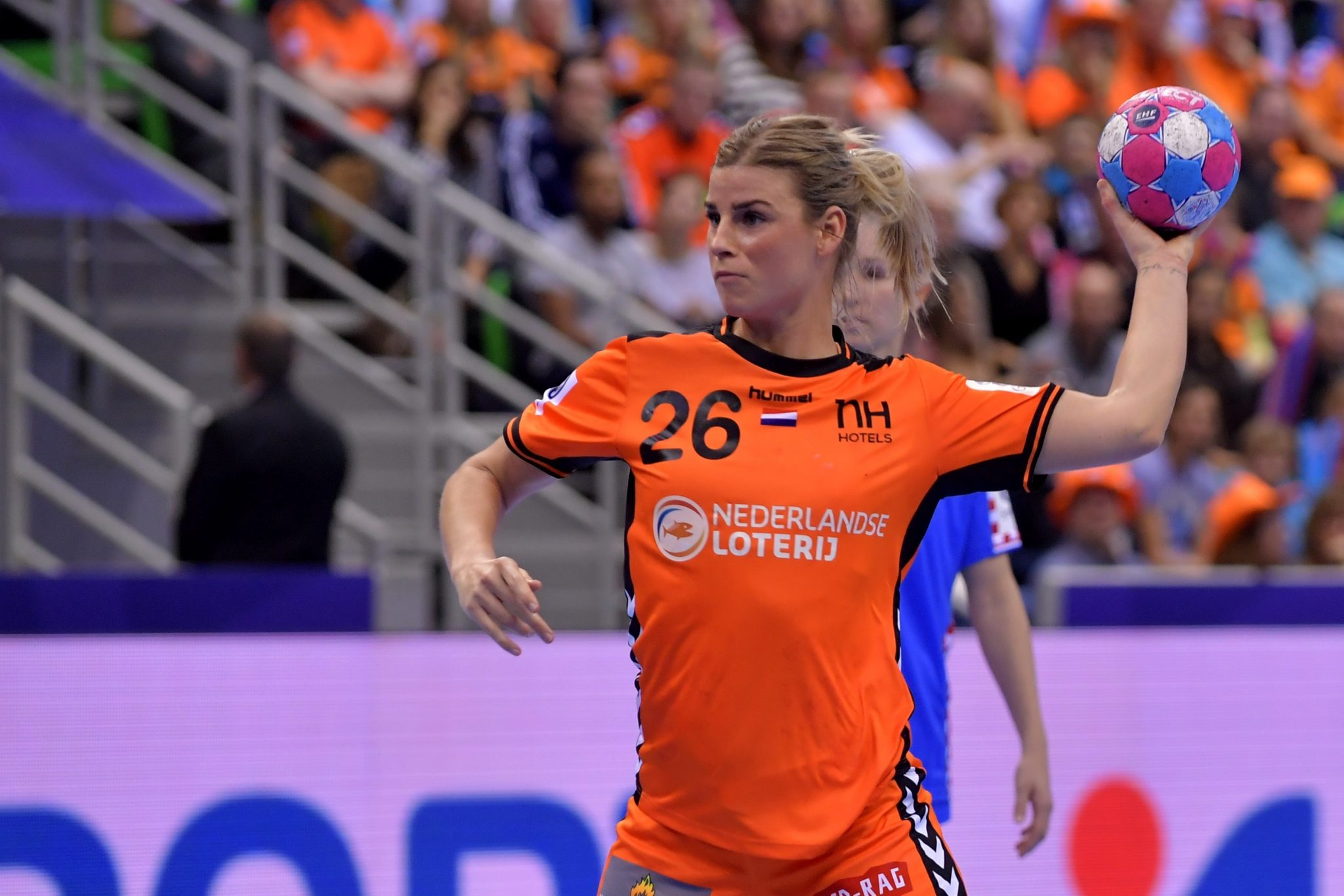 5-12-2018 HANDBAL:NEDERLAND-KROATIE:MONTBELIARD EK Handbal In Frankrijk, Voorronde Groep C Nederland - Kroatie Angela Malestein #26 NED
