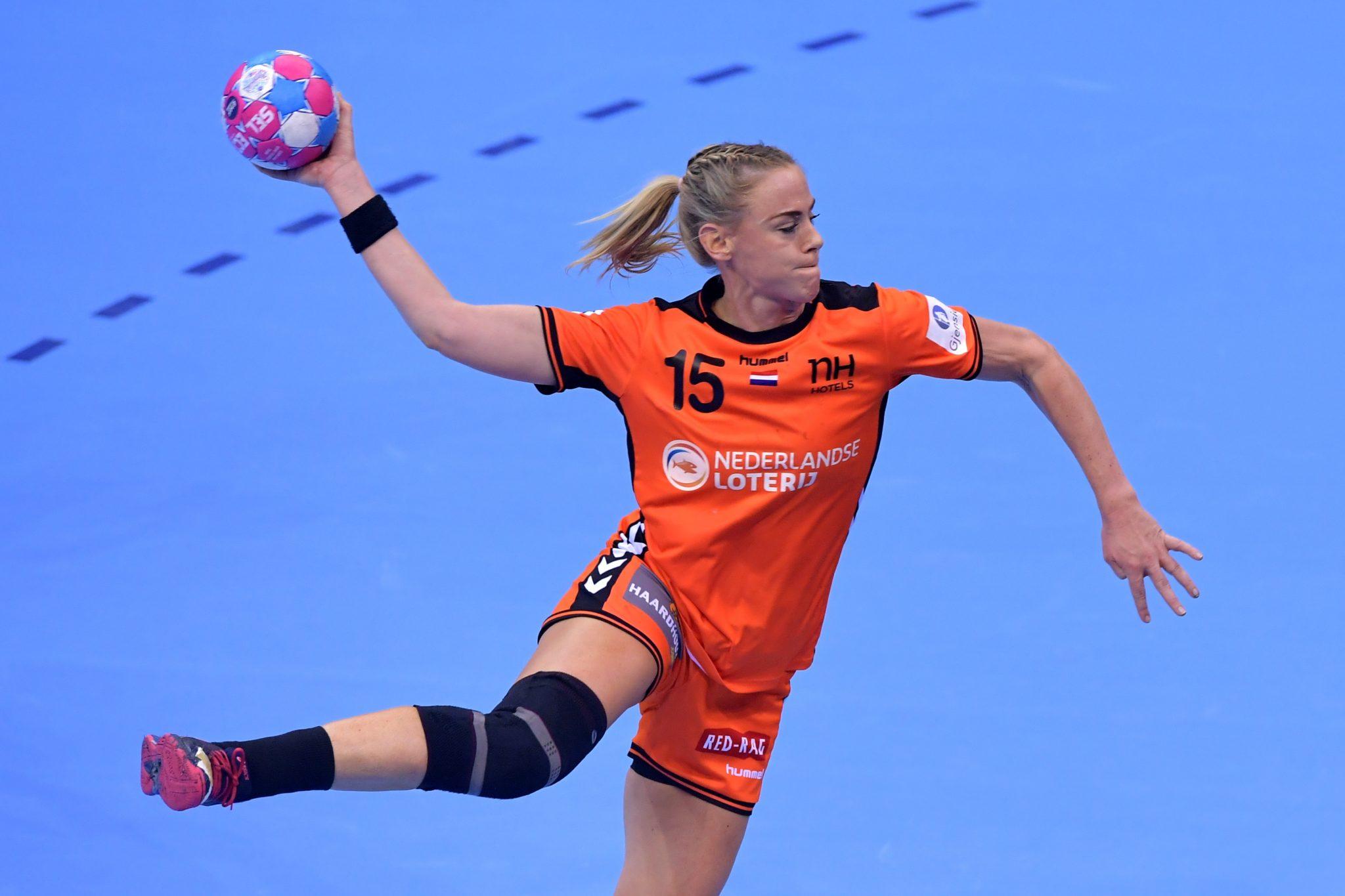 05-12-2018: EK Handbal Vrouwen: Nederland V Kroatie: MontBeliard EK Handbal In Frankrijk, Voorronde Groep C Nederland - Kroatie Maura Visser #15  NED