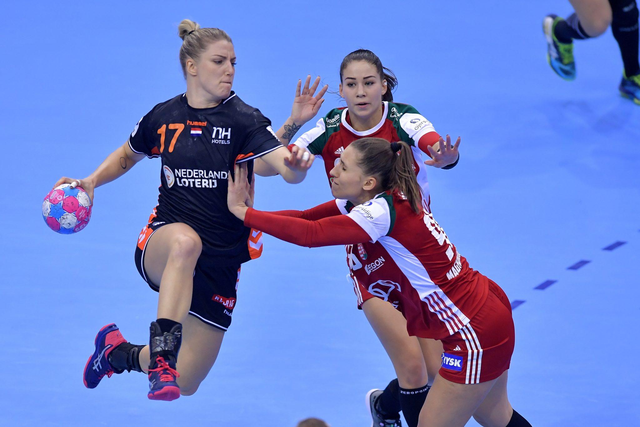 01-12-2018: EK Handbal Vrouwen: Nederland V Hongarije: MontBeliard EK Handbal In Frankrijk, Voorronde Groep C Nederland - Hongarije Nycke Groot #17 NED