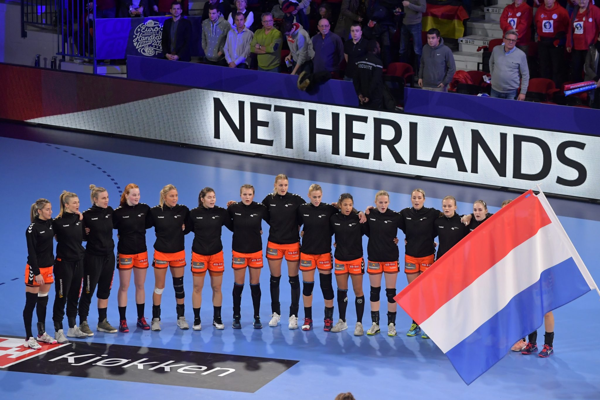 12-12-2018: Handbal: Vrouwen Nederland V Duitsland: Nancy EK Handbal In Frankrijk, Hoofdronde Groep II Nederland - Duitsland Nederlandsteam Bij Het Volkslied