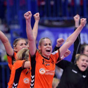 Vive Le Handball – Live Op Youtube Om 12:30 – 30 Seconds Met Estavana Polman En Angela Malestein
