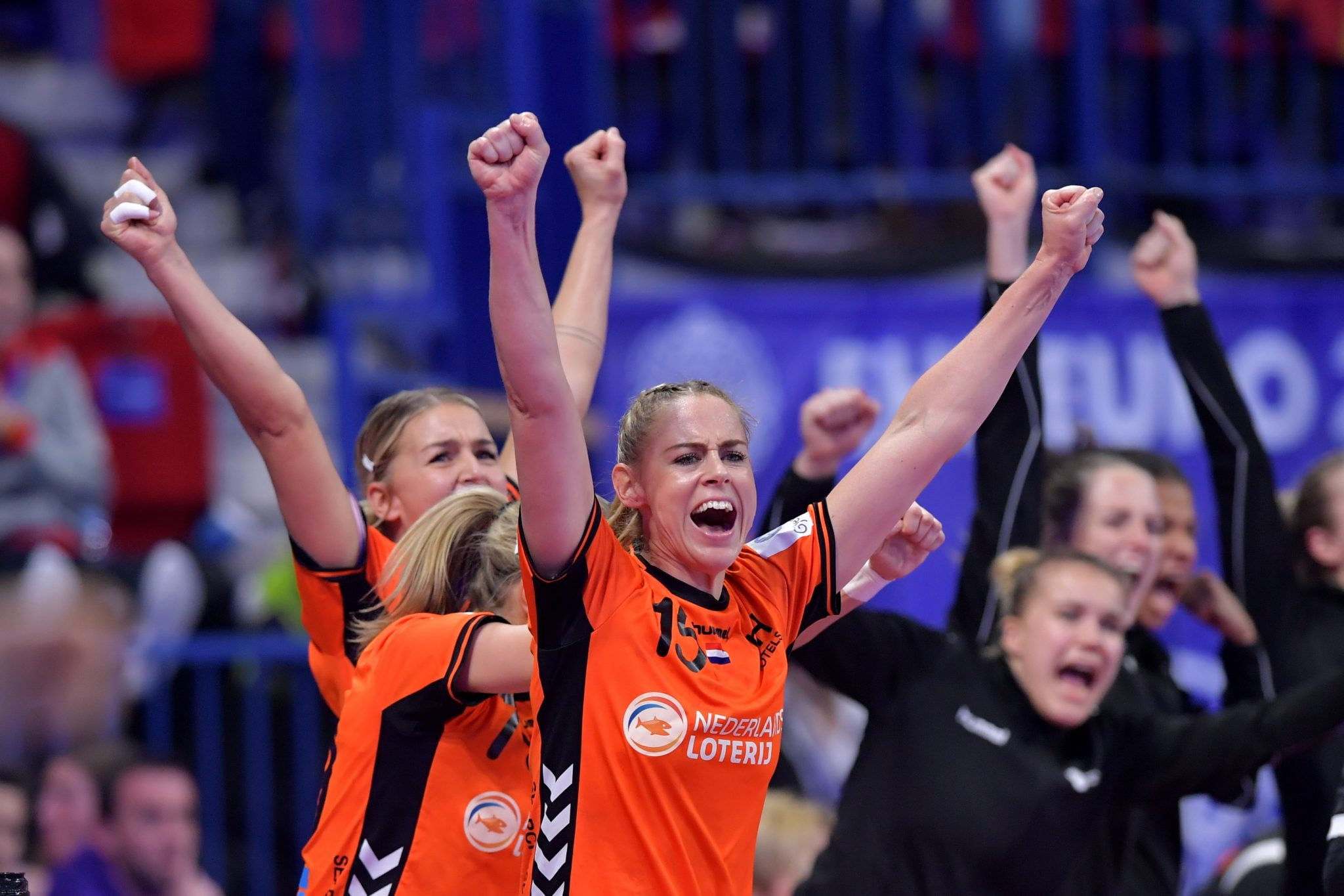 09-12-2018: Handbal: Vrouwen Nederland V Roemenie: Nancy EK Handbal In Frankrijk, Hoofdronde Groep II Nederland - Roemenie Maura Visser #15  NED Juicht