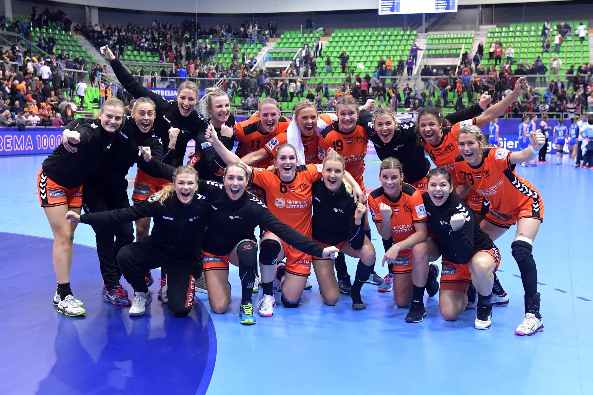 05-12-2018: EK Handbal Vrouwen: Nederland V Kroatie: MontBeliard EK Handbal In Frankrijk, Voorronde Groep C Nederland - Kroatie Overwinningsfoto
