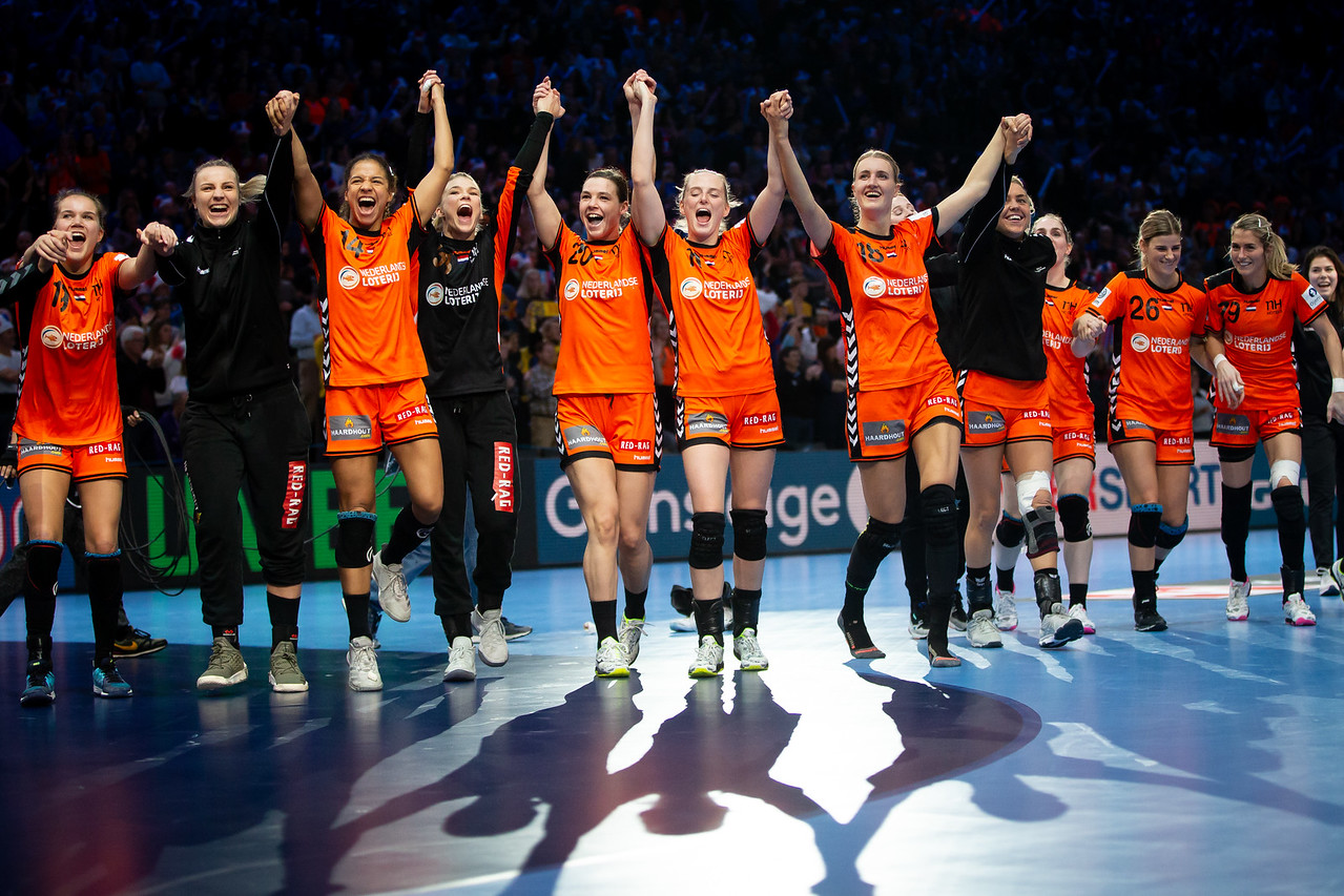 Women's EHF EURO 2018, Finale Weekend - Bronze Medal Match - Romania - Netherlands In AccorHotels Arena, Paris, France 16.12.2018. Mandatory Credit © Stanko Gruden / Kolektiff