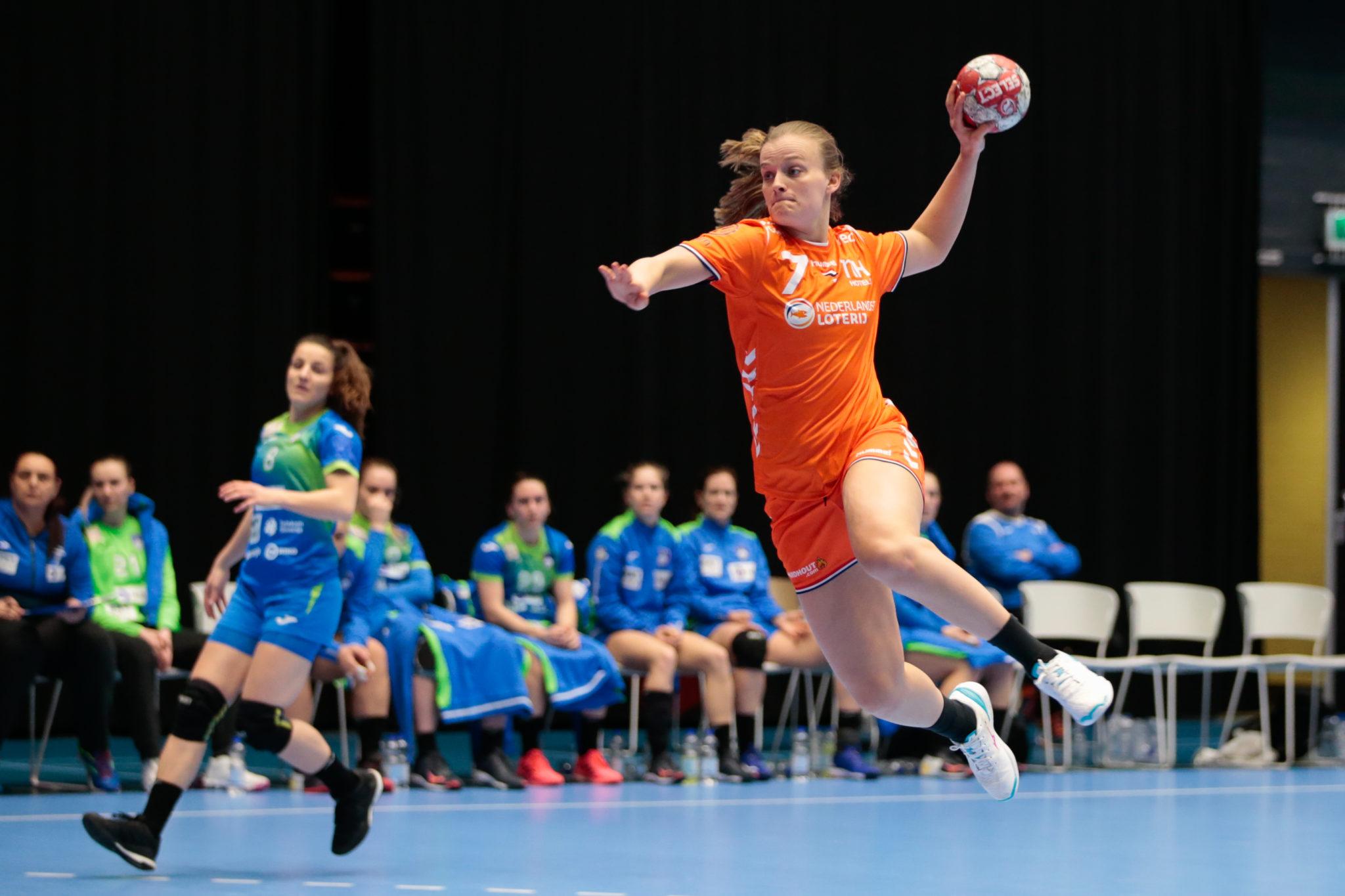 19-03-2021: Handbal: Oefeninterland Nederland-Slovenie: Den Bosch    Foto: Edwin Verheul:
