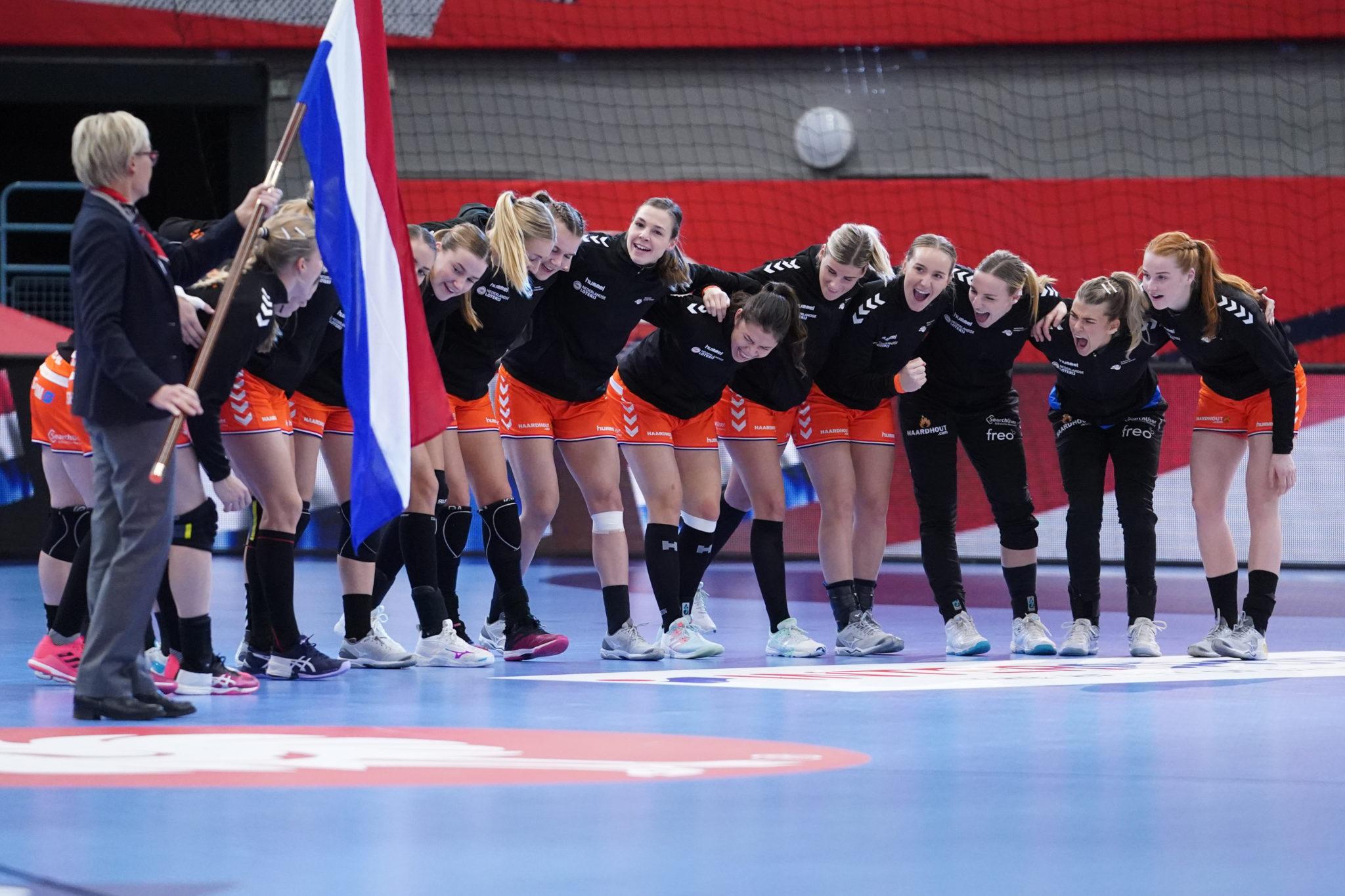 14-12-2020 HANDBAL:NEDERLAND-DUITSLAND:KOLDEN EURO 2020 Dames EK Handbal In Denemarken Nederland - Duitsland Volkslied