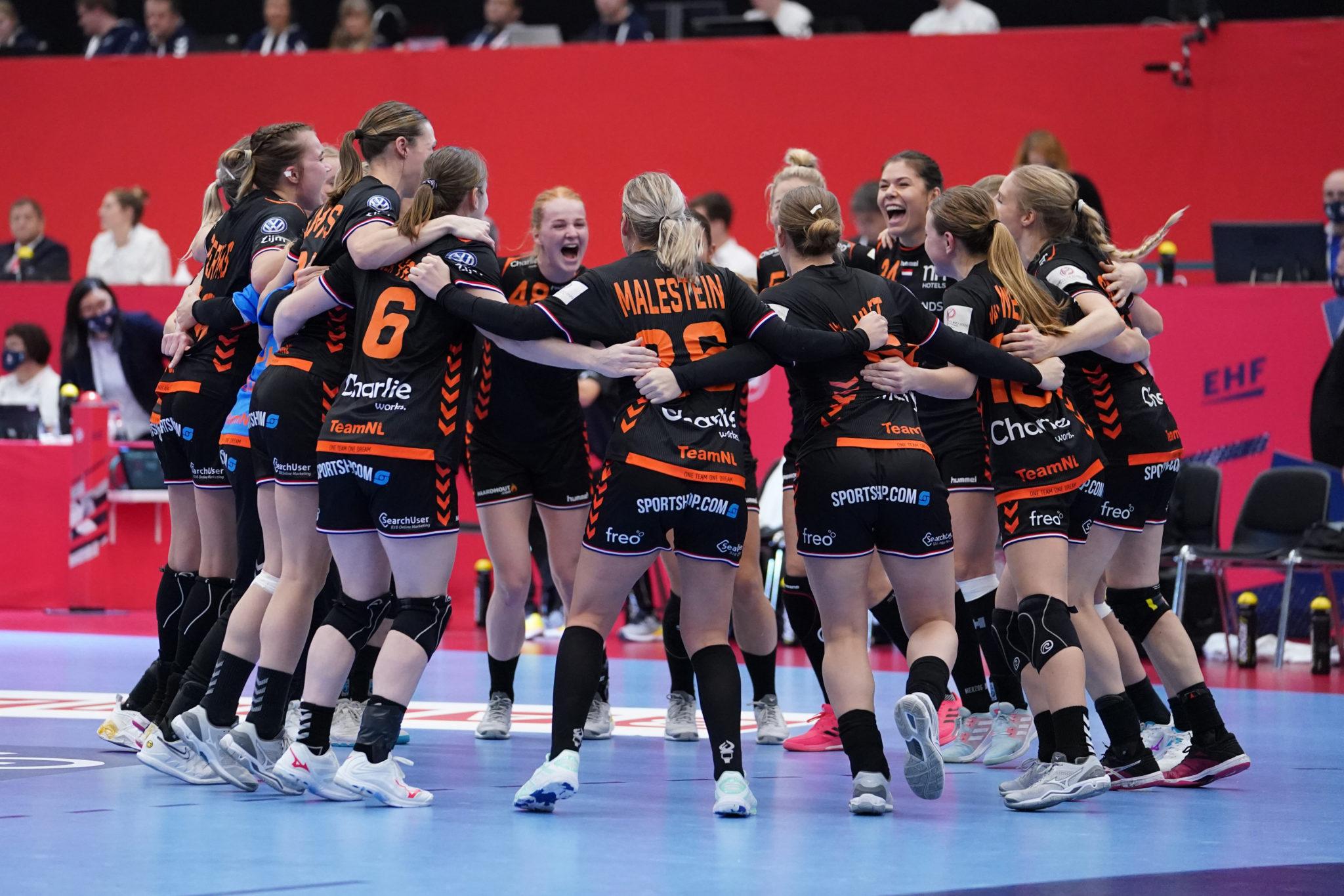 8-12-2020 HANDBAL:NEDERLAND-HONGARIJE:KOLDEN EURO 2020 Dames EK Handbal In Denemarken Nederland-Hongarije