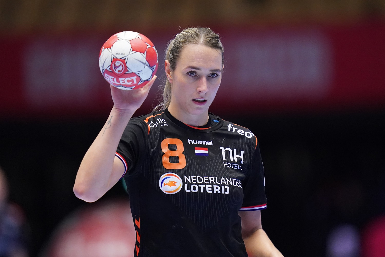 18-12-2020 HANDBAL:NEDERLAND-RUSLAND:HERNING EURO 2020 Dames EK Handbal In Denemarken, 5/6 Plaats Nederland - Rusland Lois ABBINGH #8 Of The Netherlands