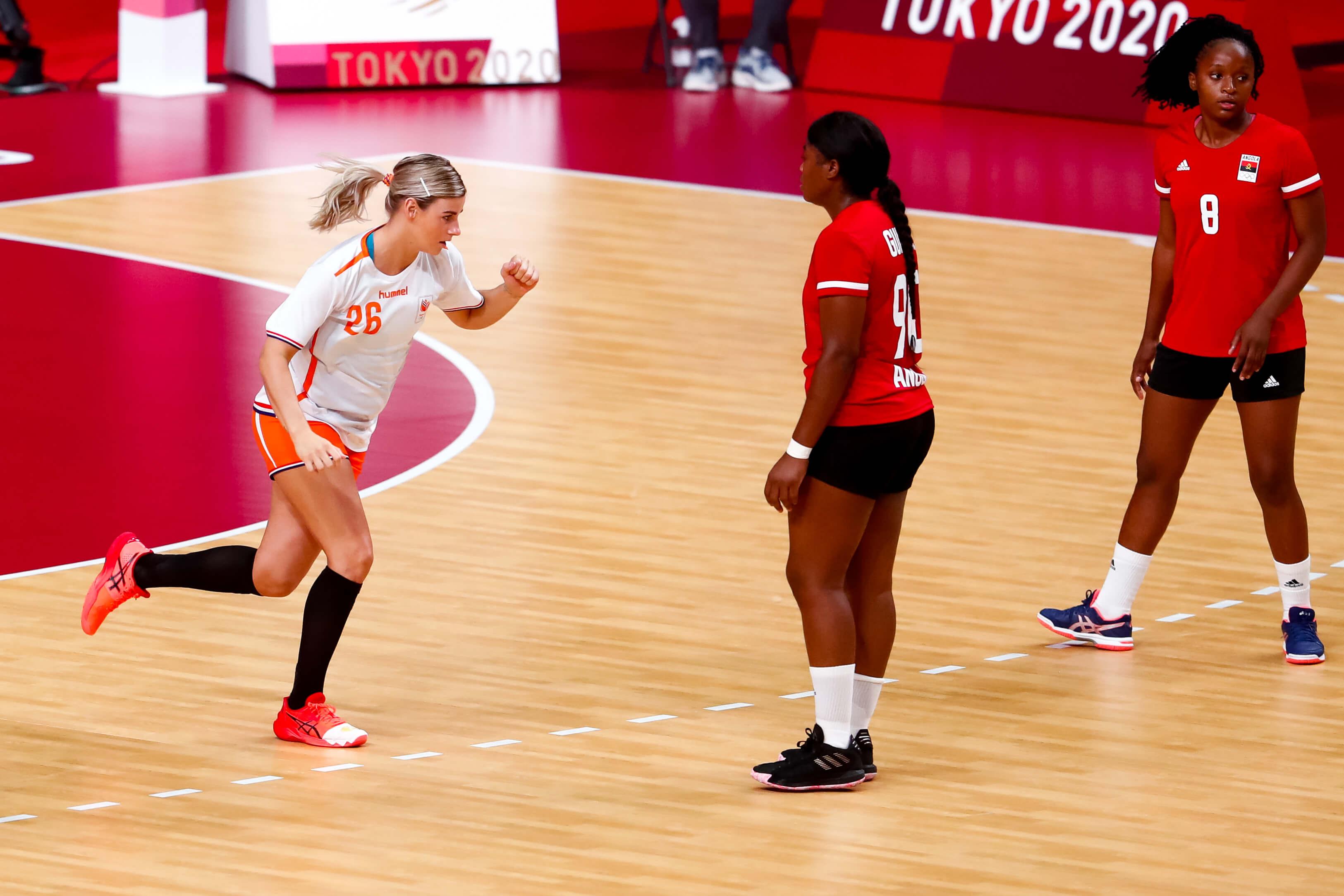 Handbaldames Naar Kwartfinales Spelen Na Winst Op Angola